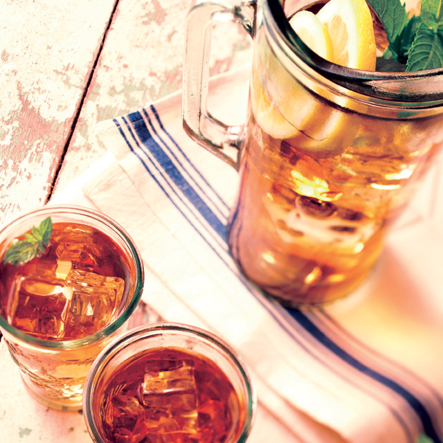 Refreshing iced tea on a hot summer's day... delicious!